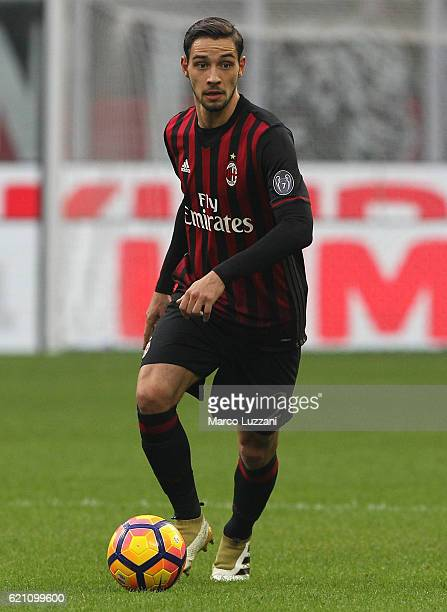 Mattia De Sciglio of AC Milan in action during the Serie A match between AC Milan and Pescara Calcio at Stadio Giuseppe Meazza on October 30 2016 in...