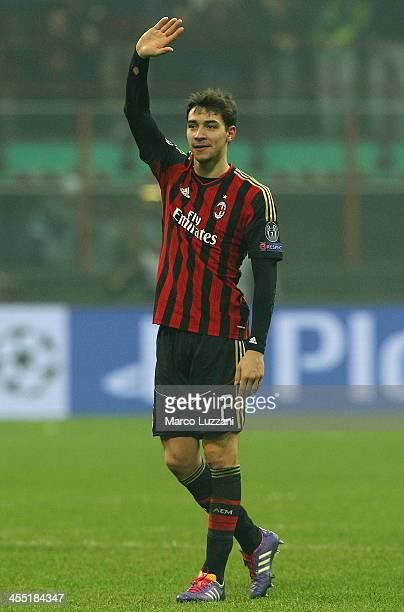 Mattia De Sciglio of AC Milan salutes the crowd at the end of UEFA Champions League Group H match between AC Milan and Ajax Amsterdam at Stadio...