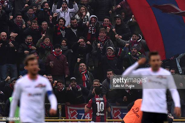 Mattia Destro of Bologna celebrates after scoring the equalizing goal during the Serie A match between Bologna FC and US Citta di Palermo at Stadio...