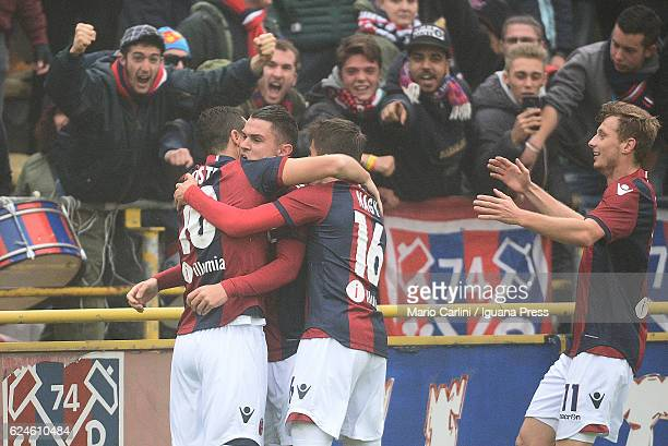 Mattia Destro of Bologna FC celebrates after scoring his team's first goal during the Serie A match between Bologna FC and US Citta di Palermo at...