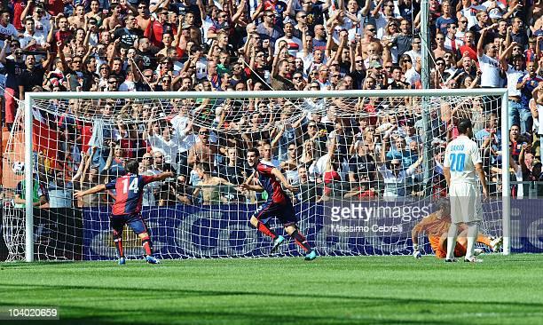 Mattia Destro of Genoa CFC celebrares scoring his team's opening goal during the Serie A match between Genoa CFC and AC Chievo Verona at Stadio Luigi...