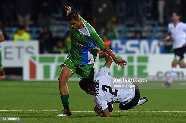 Mattia Finotto of SPAL and Romano Perticone Perticone of Cesena compete for the ball during the Serie B AC Cesena and SPAL at Dino Manuzzi Stadium on...