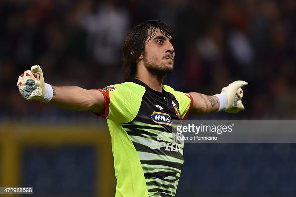 Mattia Perin of Genoa CFC celebrates after his teammate Iago Falque Silva scored the opening goal during the Serie A match between Genoa CFC and...