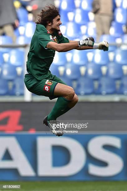 Mattia Perin of Genoa CFC celebrates the goal of his team mate during the Serie A match between Genoa CFC and US Sassuolo Calcio at Stadio Luigi...