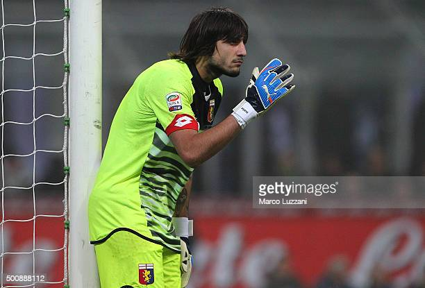 Mattia Perin of Genoa CFC directs his defense during the Serie A match between FC Internazionale Milano and Genoa CFC at Stadio Giuseppe Meazza on...