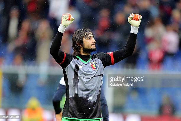 Mattia Perin of Genoa CFC gestures during the Serie A match between Genoa CFC and AC Chievo Verona at Stadio Luigi Ferraris on October 18 2015 in...