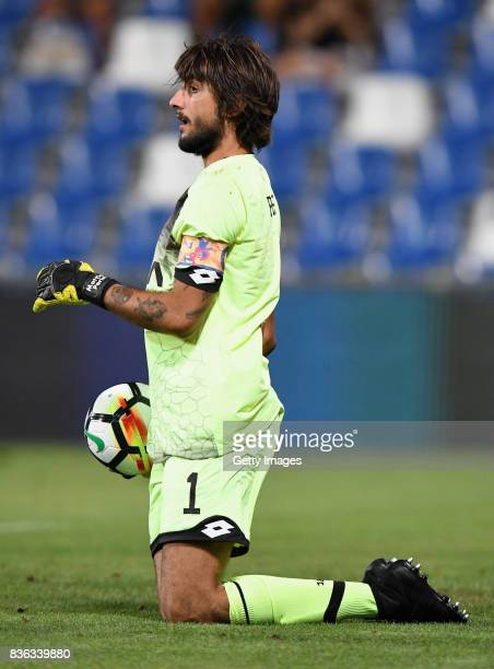 Mattia Perin of Genoa CFC in actio during the Serie A match between US Sassuolo and Genoa CFC at Mapei Stadium Citta' del Tricolore on August 20 2017...