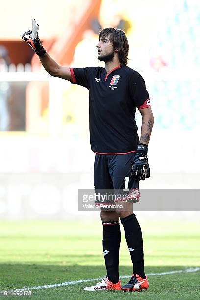 Mattia Perin of Genoa CFC issues instructions during the Serie A match between Genoa CFC and Pescara Calcio at Stadio Luigi Ferraris on September 25...