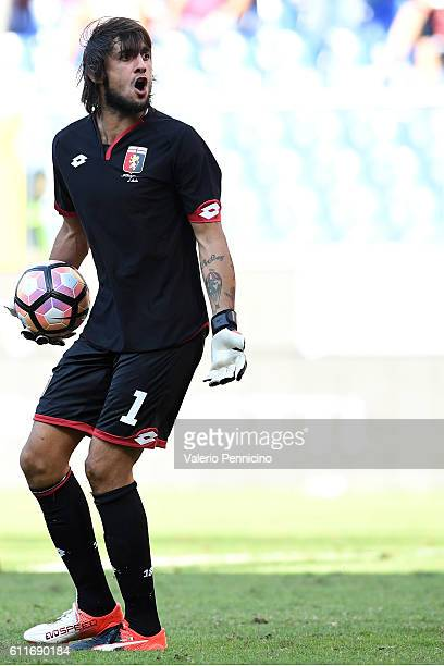 Mattia Perin of Genoa CFC reacts during the Serie A match between Genoa CFC and Pescara Calcio at Stadio Luigi Ferraris on September 25 2016 in Genoa...
