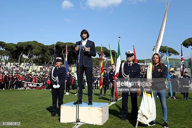 Mattia Perin of Genoa CFC reads the oath of the Viareggio Tournament during the Viareggio Juvenile Tournament match between FC Internazionale and...