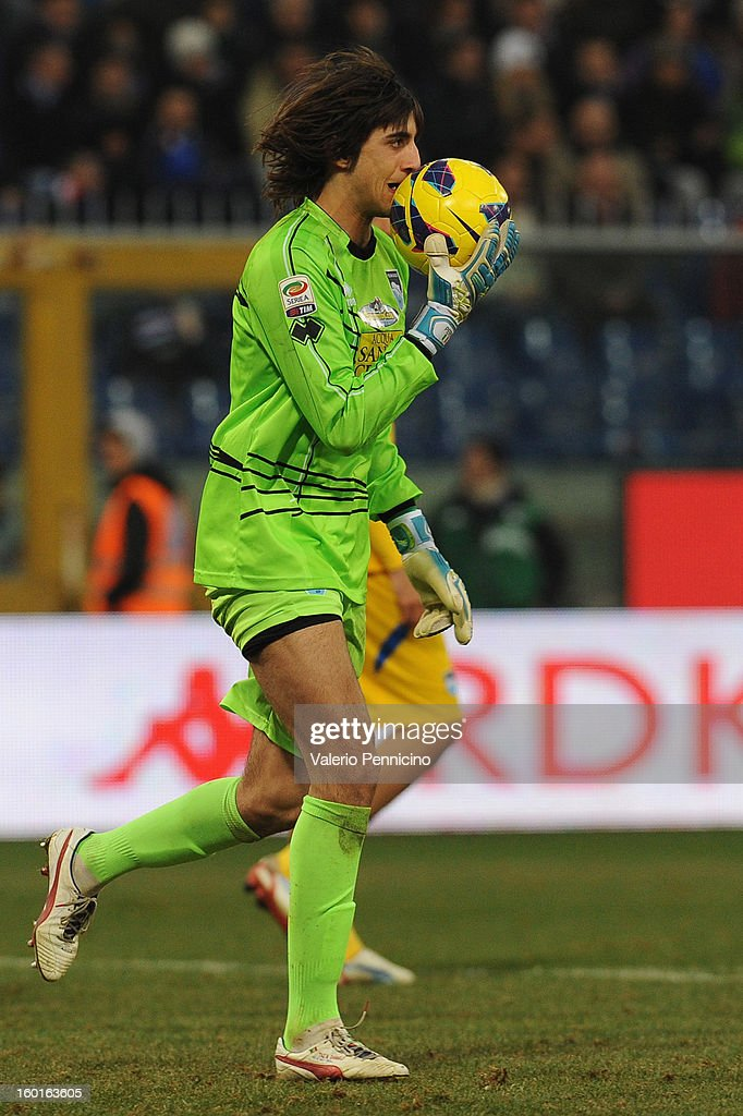 Mattia Perin of Pescara kissing the ball during the Serie A match between UC Sampdoria and Pescara at Stadio Luigi Ferraris on January 27, 2013 in Genoa, Italy.