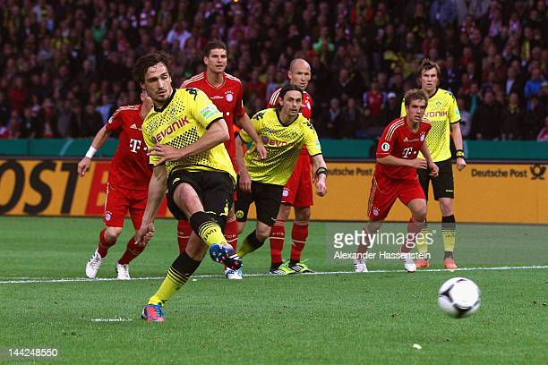 Matts Hummels of Dortmund scores the second team goal with a penalty during the DFB Cup final match between Borussia Dortmund and FC Bayern Muenchen...