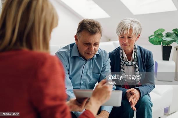 Älteres Paar Treffen mit Finanzielle Berater
