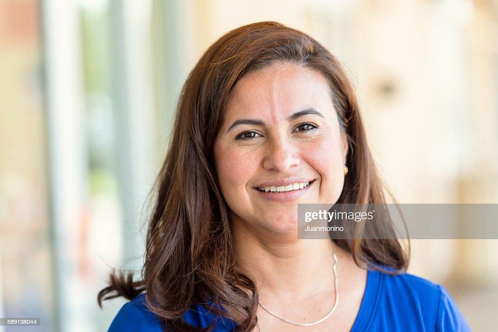 Hispânico Mulher Madura : Foto de stock