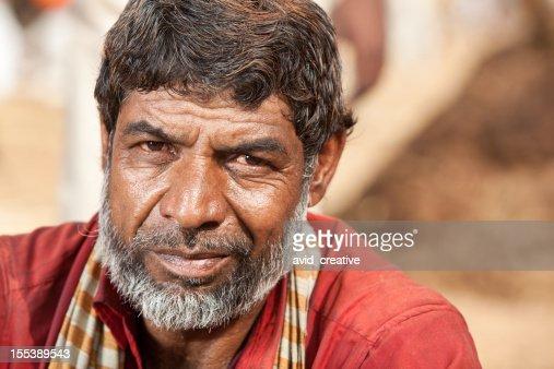 マチュアインド人男性のポートレート