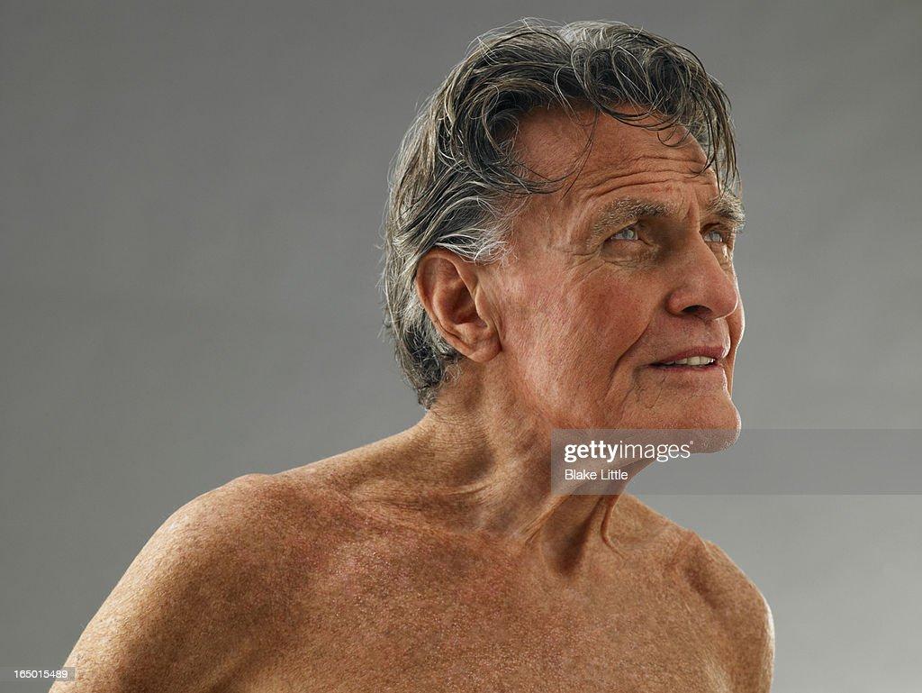 Mature Man profile horizontal : Stock Photo