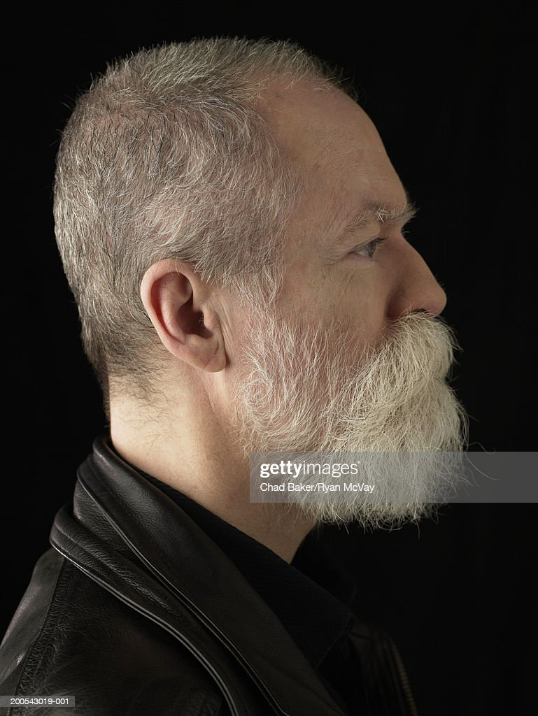 Mature man with beard, profile : Stock-Foto
