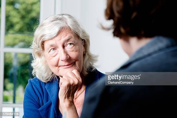 Mujer madura asesor