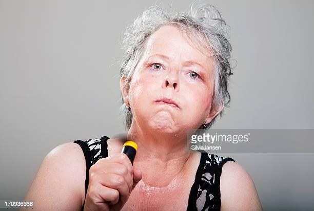 Donna matura avendo hot flash