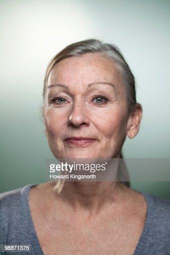 Mature woman, portrait : Stock Photo