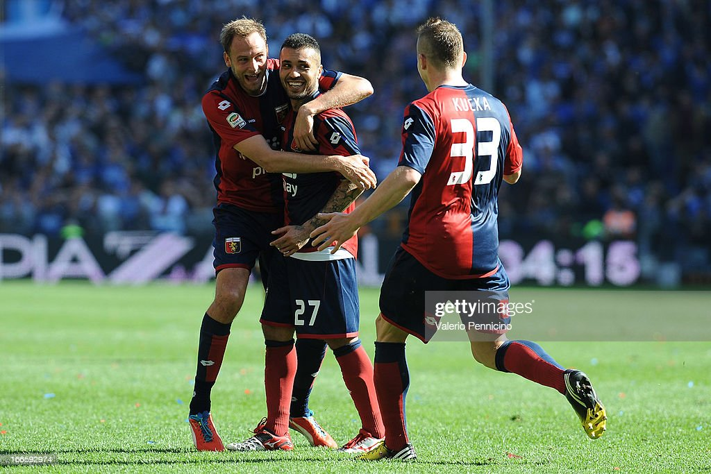 Matuzalem (C) of Genoa CFC celebrates with his team-mates after scoring the equalising goal during the Serie A match between Genoa CFC and UC Sampdoria at Stadio Luigi Ferraris on April 14, 2013 in Genova, Italy.