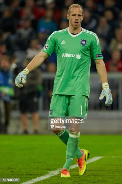 Matz Sels of Anderlecht looks on during the UEFA Champions League group B match between Bayern Muenchen and RSC Anderlecht at Allianz Arena on...