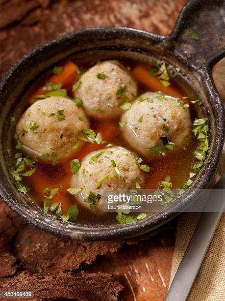 Zuppa di palline Matzah
