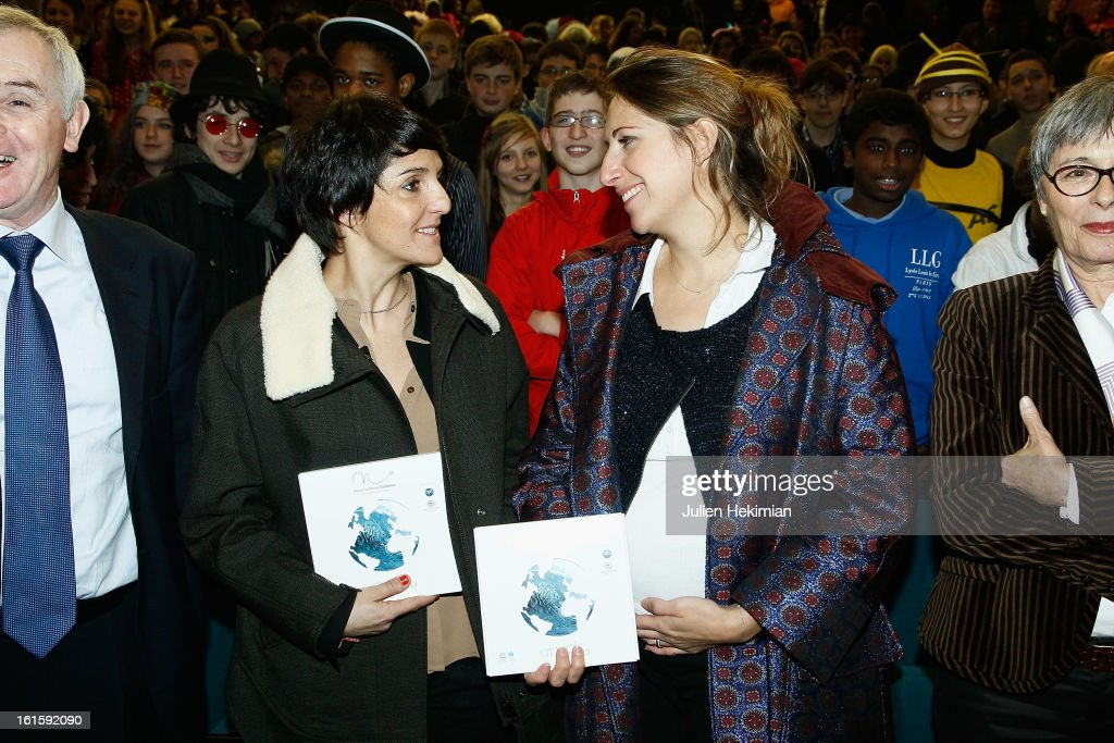 <a gi-track='captionPersonalityLinkClicked' href=/galleries/search?phrase=Maud+Fontenoy&family=editorial&specificpeople=686588 ng-click='$event.stopPropagation()'>Maud Fontenoy</a> (R) and <a gi-track='captionPersonalityLinkClicked' href=/galleries/search?phrase=Florence+Foresti&family=editorial&specificpeople=4946831 ng-click='$event.stopPropagation()'>Florence Foresti</a> participate to the Ocean and Environmental Professions conference at Lycee Louis Le Grand on February 12, 2013 in Paris, France.