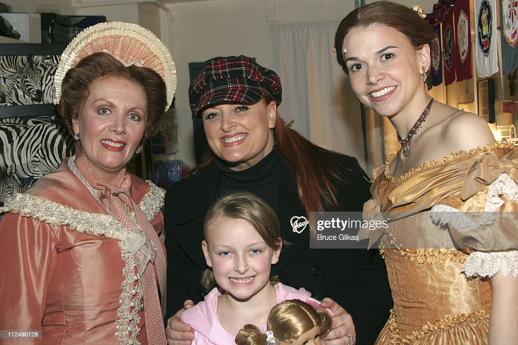 Maureen McGovern Wynonna Judd daughter Grace and Sutton Foster