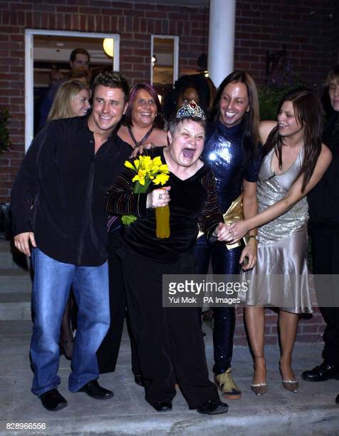 Maureen Rees poses with Craig Phillips Lizzy Bardsley Ricardo Ribeiro and Jade Goody outside the Back To Reality house after the finale of the Show...