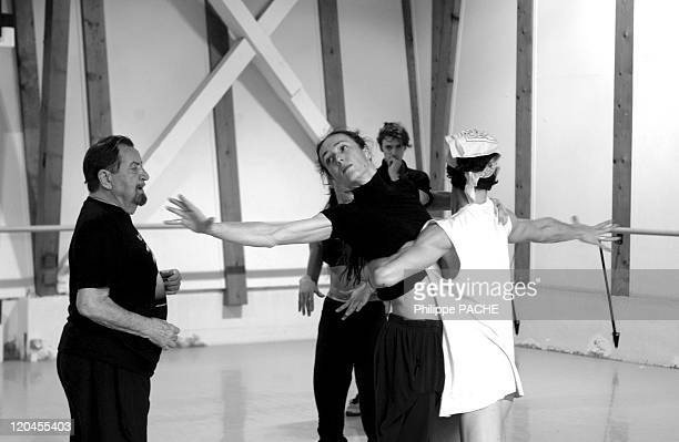 Maurice Bejart and Sylvie Guillem in Lausanne Switzerland on April 30 2004 Rehearsal of the 'coronation of spring'
