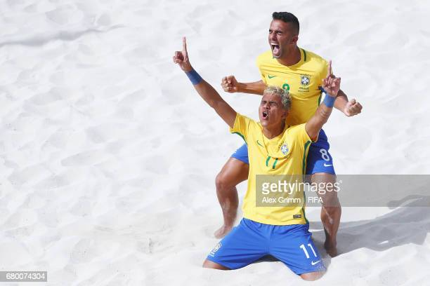 Mauricinho of Brazil celebrates a goal with team mate Bruno Xavier during the FIFA Beach Soccer World Cup Bahamas 2017 final between Tahiti and...