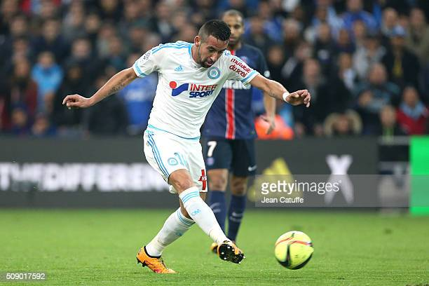 Mauricio Anibal Isla Isla of OM in action during the French Ligue 1 match between Olympique de Marseille and Paris SaintGermain at New Stade...