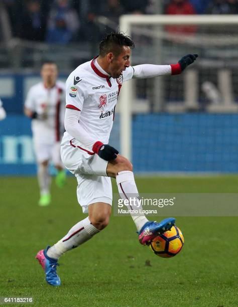 Mauricio Isla of Cagliari during the Serie A match between Atalanta BC and Cagliari Calcio at Stadio Atleti Azzurri d'Italia on February 5 2017 in...