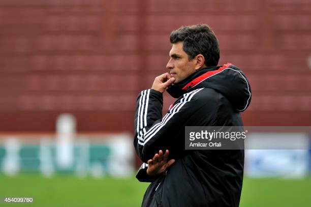 Mauricio Pellegrino coach of Estudiantes watches the game during a match between Lanus and Estudiantes as part of third round of Torneo de Transicion...