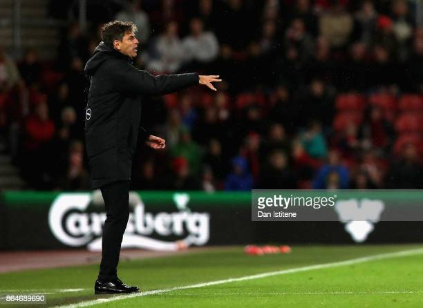 Mauricio Pellegrino Manager of Southampton gives his team instructions during the Premier League match between Southampton and West Bromwich Albion...