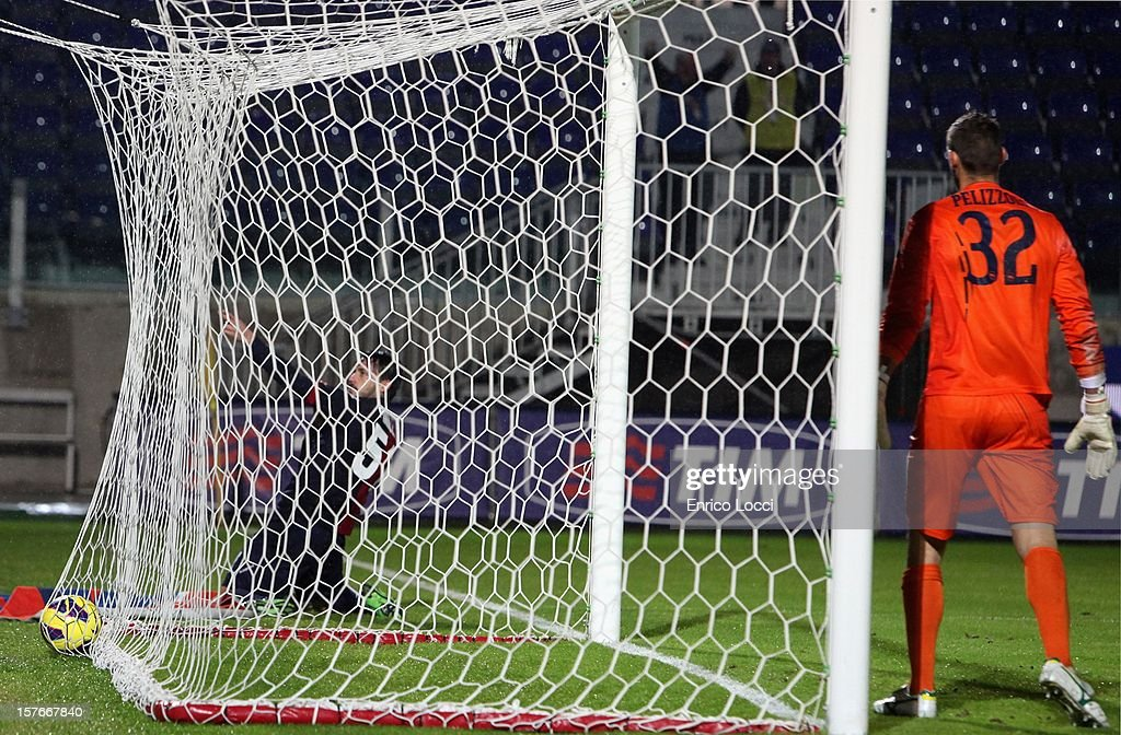 Mauricio Pinilla of Cagliari celebrates after scoring their fourth goal during the TIM Cup match between Cagliari Calcio and Pescara at Stadio Is Arenas on December 5, 2012 in Cagliari, Italy.