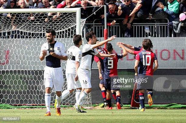Mauricio Pinilla of Cagliari celebrates with teammates after scoring a goal to make it 10 during the Serie A match between Cagliari Calcio and Parma...
