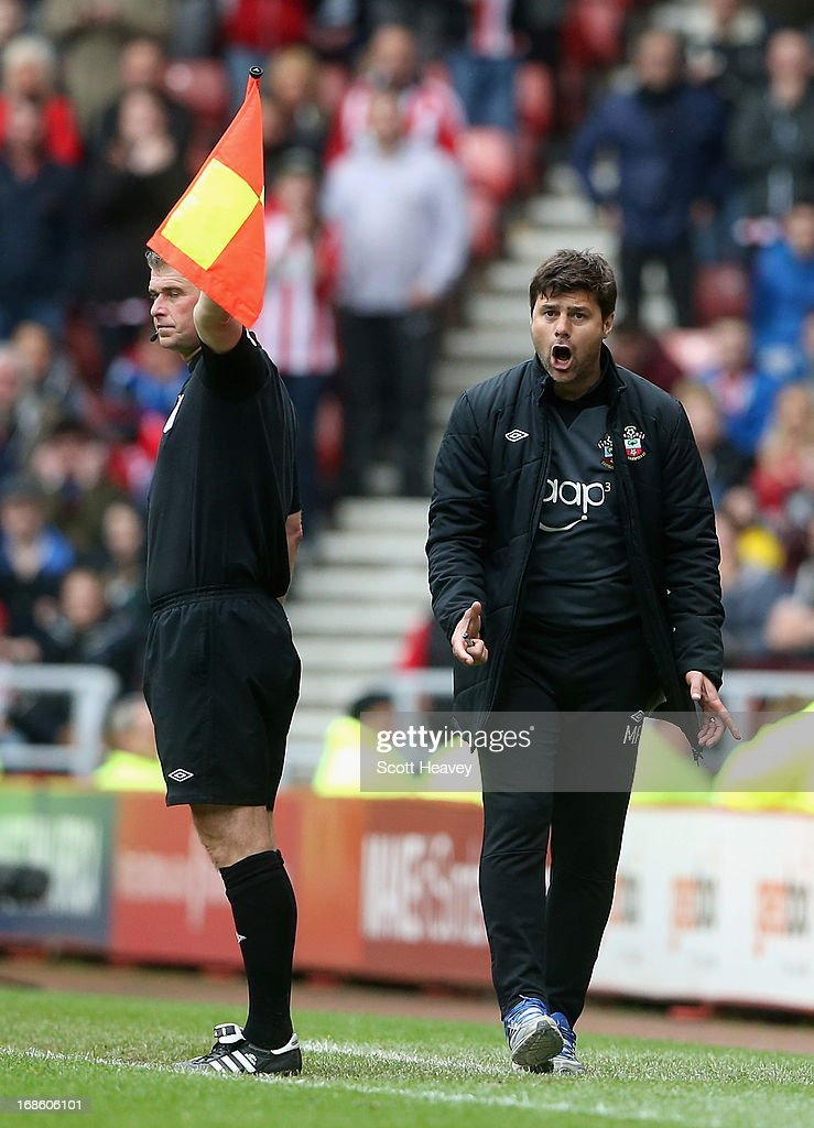 <a gi-track='captionPersonalityLinkClicked' href=/galleries/search?phrase=Mauricio+Pochettino&family=editorial&specificpeople=234444 ng-click='$event.stopPropagation()'>Mauricio Pochettino</a> manager of Southampton issues instructions during the Barclays Premier League match between Sunderland and Southampton at the Stadium of Light on May 12, 2013 in Sunderland, England.