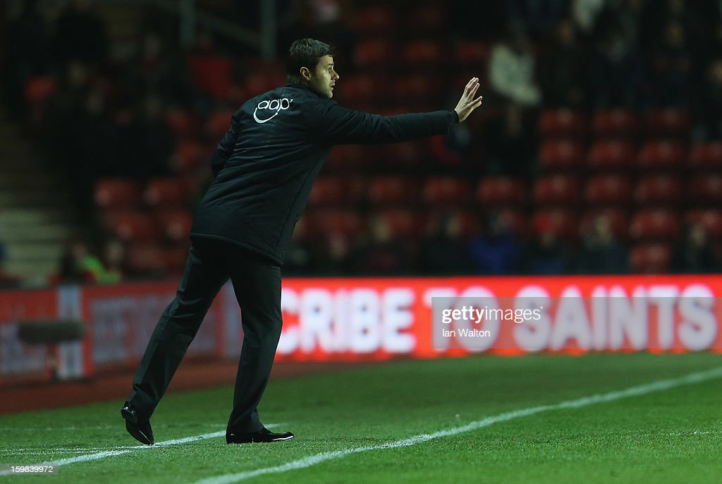 <a gi-track='captionPersonalityLinkClicked' href=/galleries/search?phrase=Mauricio+Pochettino&family=editorial&specificpeople=234444 ng-click='$event.stopPropagation()'>Mauricio Pochettino</a> manager of Southampton signals from the bench during the Barclays Premier League match between Southampton and Everton at St Mary's Stadium on January 21, 2013 in Southampton, England.