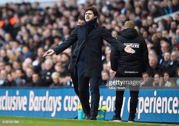 Mauricio Pochettino manager of Tottenham Hotspur reacts during the Barclays Premier League match between Tottenham Hotspur and AFC Bournemouth at...