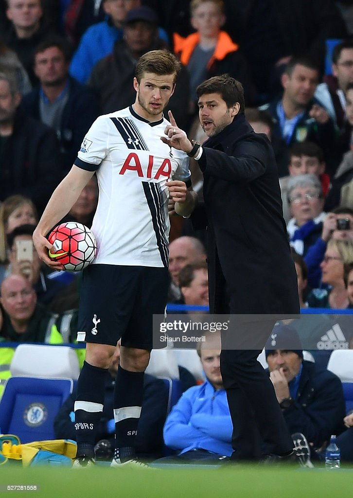 Mauricio Pochettino the manager of Tottenham Hotspur speaks with Eric Dier of Tottenham Hotspur during the Barclays Premier League match between Chelsea and Tottenham Hotspur at Stamford Bridge on May 02, 2016 in London, England.jd