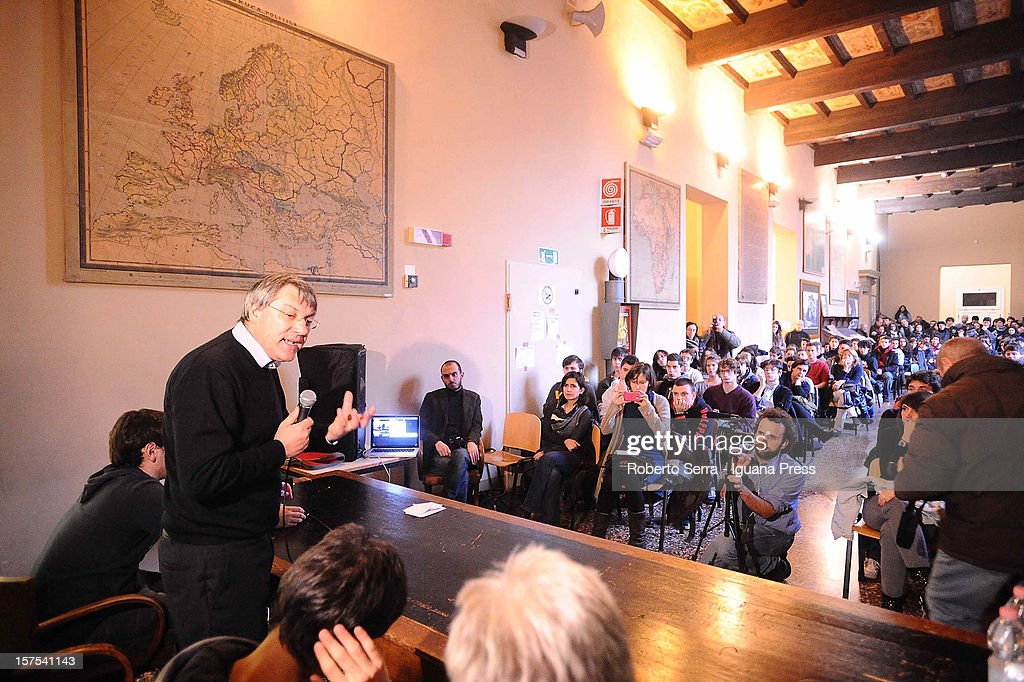 Maurizio Landini leader of Italian trade union FIOM / CGIL meets the students of the Marco Minghetti, senior high school specialized in classical studies on December 4, 2012 in Bologna, Italy. Students have occupied their school in a protest against Italian governments schools policy.