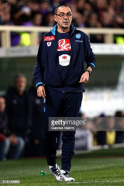 Maurizio Sarri manager of SSC Napoli shouts instructions to his players during the Serie A match between ACF Fiorentina and SSC Napoli at Stadio...