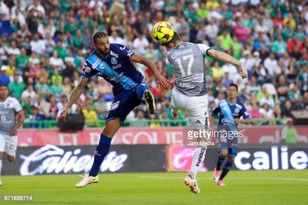 Mauro Boselli of Leon heads the ball during the 15th round match between Leon and Puebla as part of the Torneo Clausura 2017 Liga MX at Nou Camp...