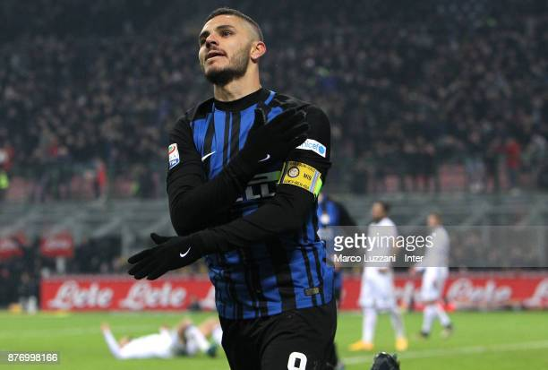 Mauro Emanuel Icardi of FC Internazionale celebrates his second goal during the Serie A match between FC Internazionale and Atalanta BC at Stadio...