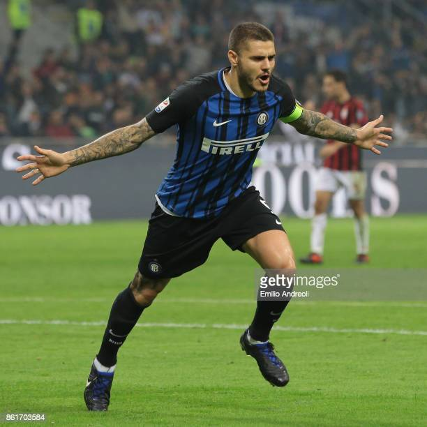 Mauro Emanuel Icardi of FC Internazionale Milano celebrates his second goal during the Serie A match between FC Internazionale and AC Milan at Stadio...
