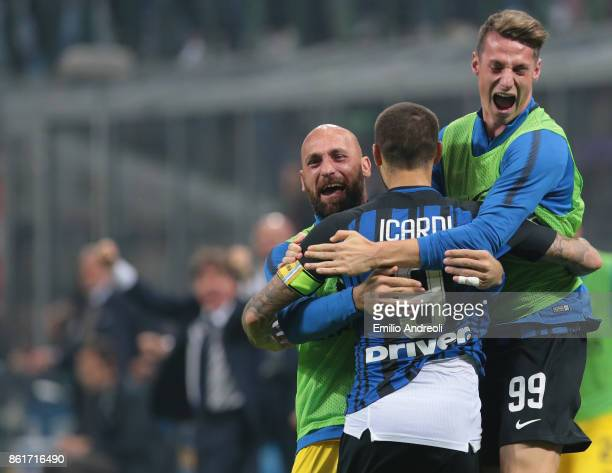 Mauro Emanuel Icardi of FC Internazionale Milano celebrates his goal with his teammates Andrea Pinamonti and Tommaso Berni during the Serie A match...