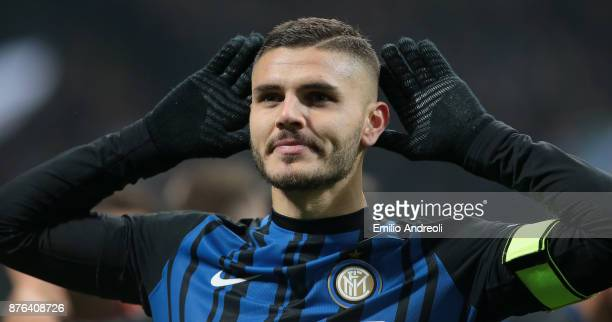 Mauro Emanuel Icardi of FC Internazionale Milano celebrates his second goal during the Serie A match between FC Internazionale and Atalanta BC at...