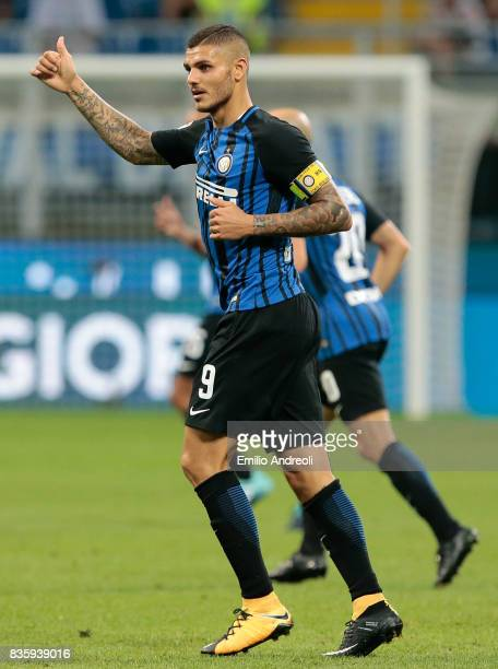 Mauro Emanuel Icardi of FC Internazionale Milano gestures during the Serie A match between FC Internazionale and ACF Fiorentina at Stadio Giuseppe...